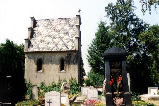 Baumannsche_Gruft_am_ev_Friedhof_Diapositiv_1994
